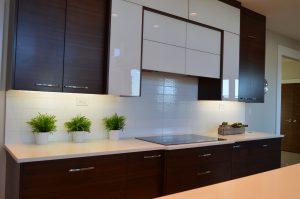 Uusi keittiö tekee kodista viihtyisämmän ja nostaa myös asunnon arvoa. Uudista keittiösi ja kysy tarjous keittiöremontista.